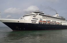 Pacific-Eden-cruise-ship-in-Phuket-17-Aug-2016-2-500