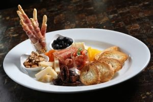 01-antipasto-a-perfect-italian-appetizer-set-at-royal-orchid-sheraton-hotel-towers