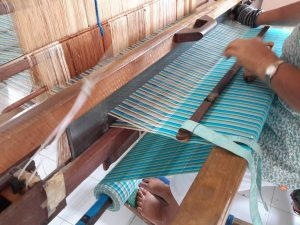 beautifully-woven-cloth-is-the-result-of-fine-co-ordination-between-hand-and-feet-movements